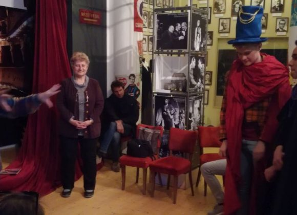 12. Emojik helyett legyezőjáték – a Színészmúzeumban jártunk a KultúrBónusszal